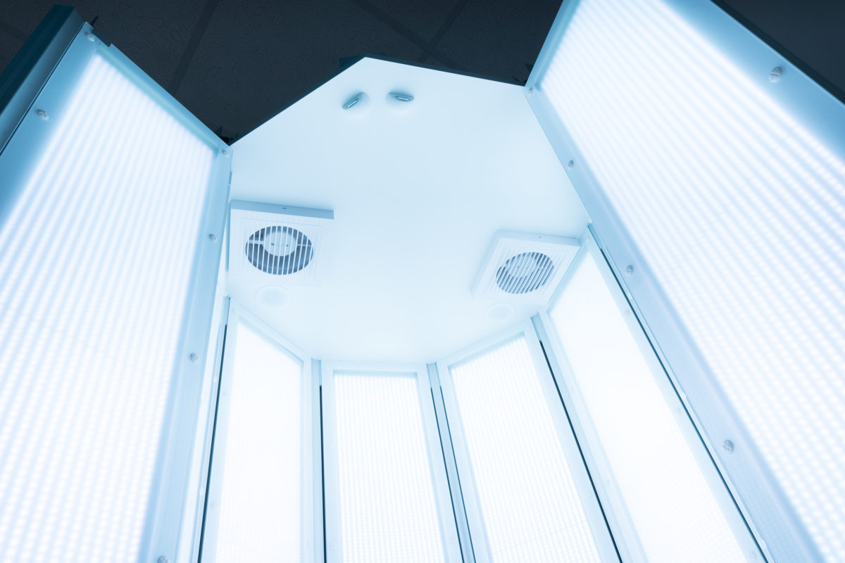 View inside an open PANDIIIA<sup>®</sup> light therapy device
